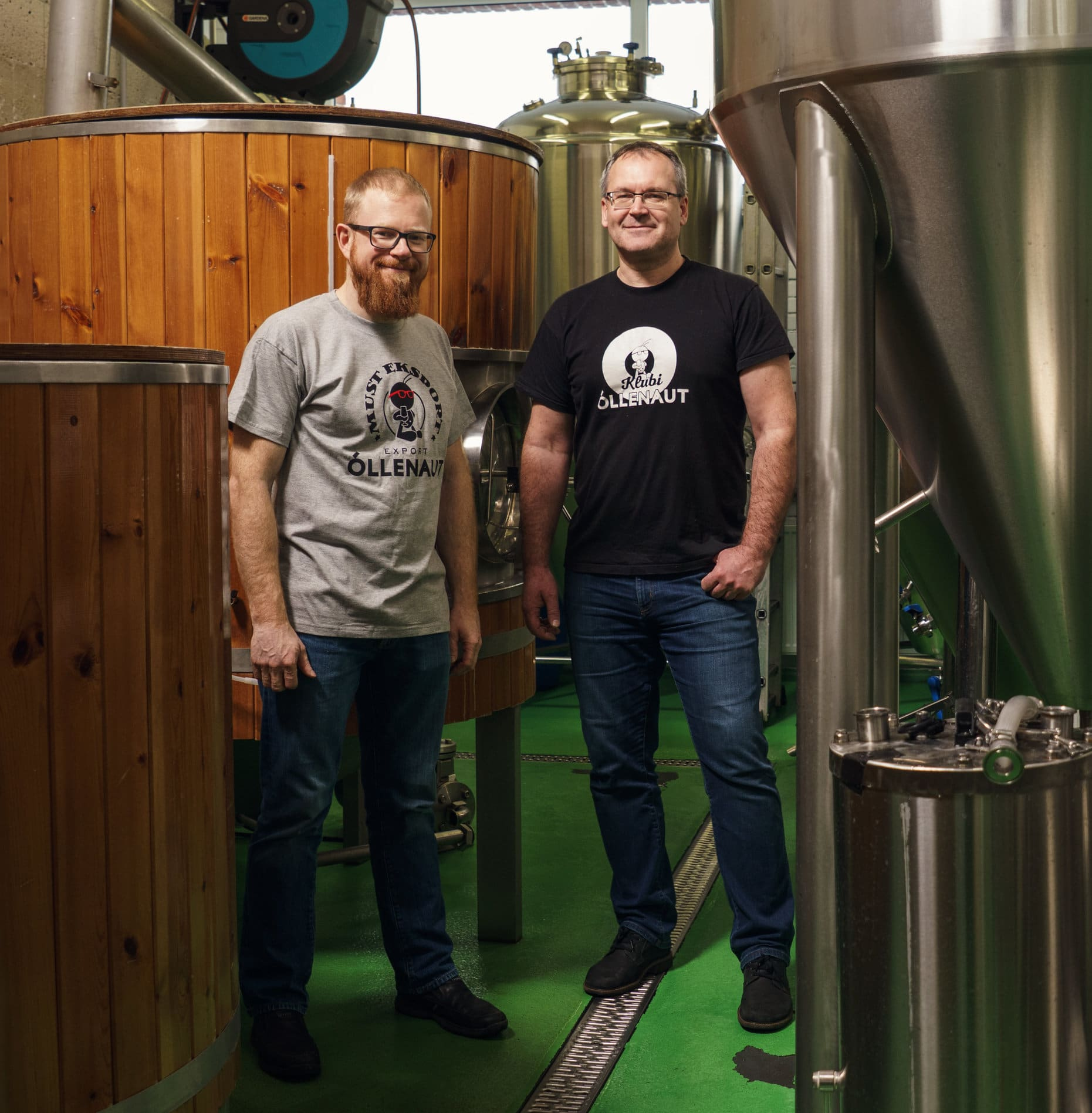 Urmas Roots and Ilmar Räni in the Õllenaut brewhouse